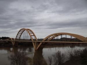 Puente de sabinanego sobre el Ebro